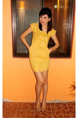 yellow Freeway dress - mustard Primadonna heels