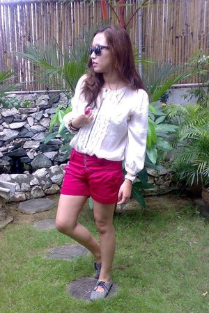 hot pink satin bangkok shorts - deep purple snakeskin Beltza sunglasses