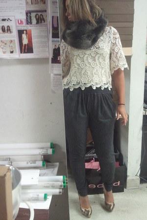 Bebe scarf - Bebe blouse - Forever 21 pants - Bebe heels