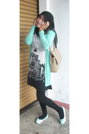 black scarf - green cardigan - gray dress - black leggings - green shoes - beige