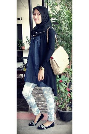 black cardigan - black wondershoe shoes - blue denim jeans dress