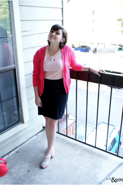 hot pink Gap sweater - light pink Urban Outfitters shoes