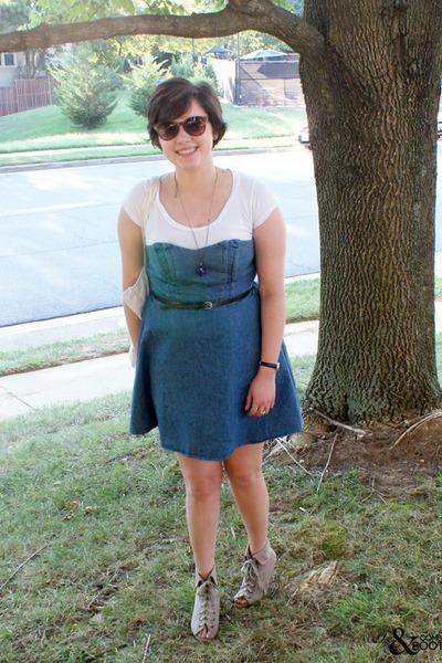 sky blue Kimchi Blue dress - off white band tote bag - black belt