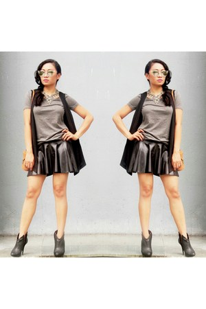 Charles & Keith boots - H&M t-shirt