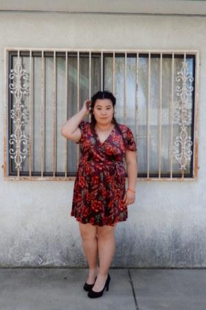 brick red dress - black heels