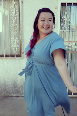 sky blue dress - black heels
