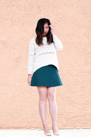 dark green skirt - ivory sweater - peach strappy heels