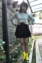 white united colors of benetton top - black Orange skirt - blue Swatch accessori