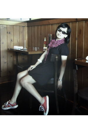 black glasses - pink Orange scarf - black TheoryX dress - red Converse shoes - b