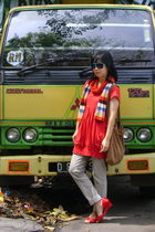 green cotton on glasses - red Miss Sixty top - gray Contempo jeans - red shoes -