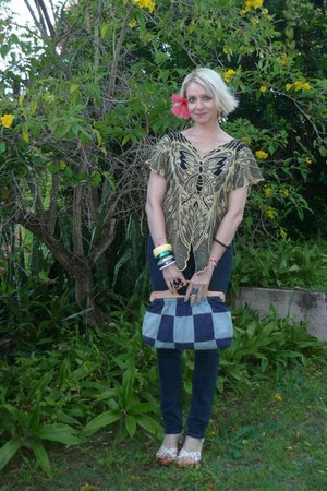 light yellow thrifted vintage top - navy Sadie jeans - blue vintage bag - white