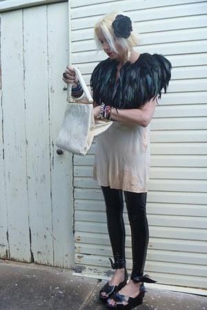 black feather cape Forever 21 jacket - black stretch pvc Black Milk leggings