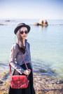 Gray-linen-dressgal-shirt-brick-red-satchel-dressgal-bag