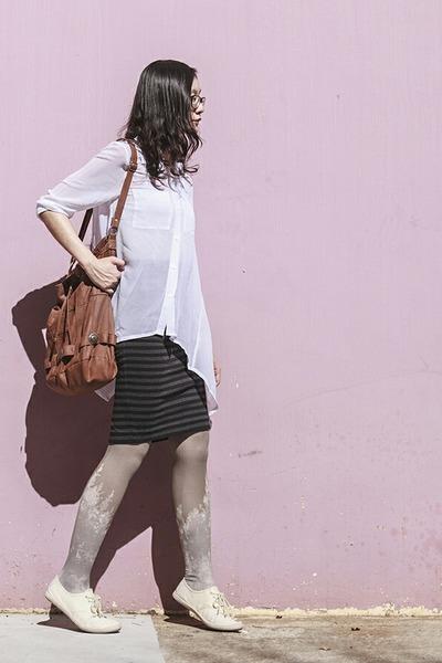 brown bucket bag Gentle Fawn bag - white sheer Mphosis shirt
