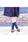 Navy-flare-gu-shorts-navy-tabi-trunks-ya-socks