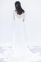 white Rosa Novias dress