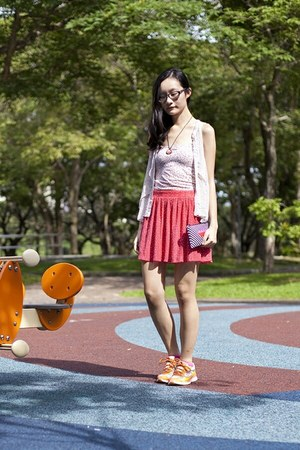 hot pink hot pink sports Esprit socks - hot pink Zara skirt - ivory Uniqlo top