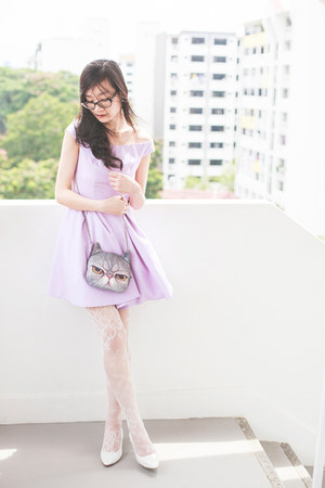periwinkle off-shoulder The velvet dolls dress - white lace Forever 21 tights