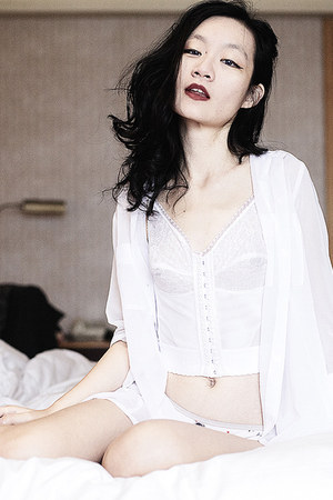 white sheer Mphosis shirt - white lace longline Vedette Shapewear intimate