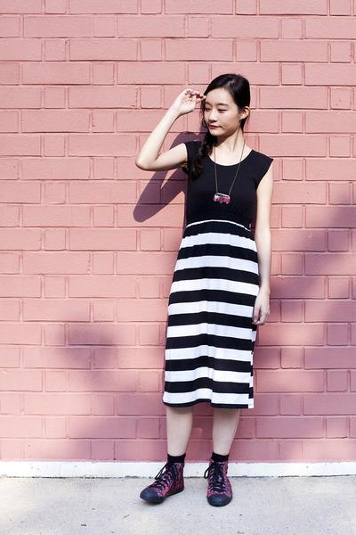 black black and white flesh imp dress - black black crew Taobao socks
