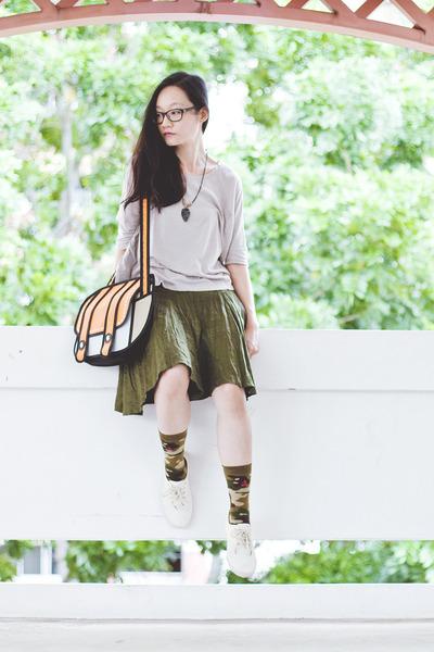green flare Bugis Village skirt - olive green camouflage stance socks