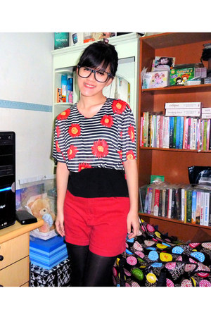 red shorts - black intimate - black glasses - red blouse - black stockings