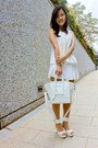 White-bag-white-skirt-white-heels-white-top