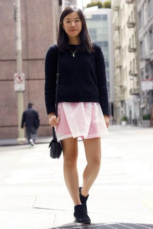 black sam edelman boots - black H&M sweater - black American Apparel bag