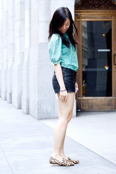 aquamarine vintage thriftwares top - black pleather H&M shorts