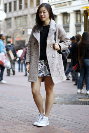 beige Zara coat - black H&amp;M sweater - black Style Sofia bag