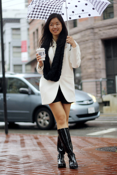 Black-aquatalia-boots-white-zara-blazer-black-h-m-scarf_400