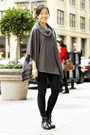 Black-sperry-boots-black-zara-leggings-heather-gray-forever-21-top