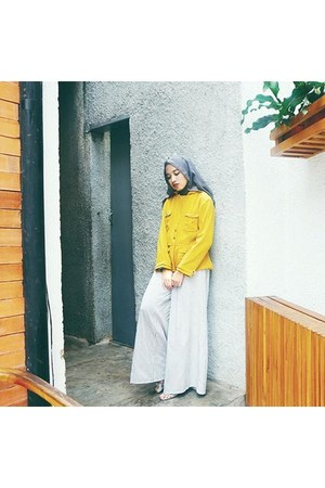 light yellow Encyclo jacket - white Stripes Cullotes pants