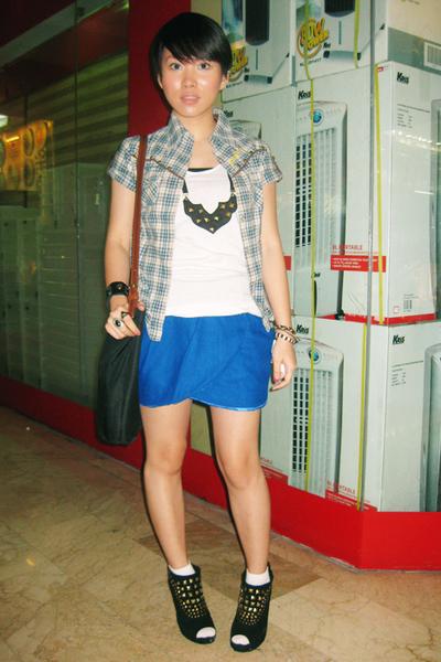 Guess shirt - H2O skirt - belle shoes - Nefertiti necklace