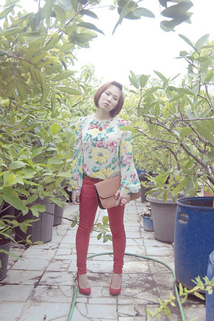 red Zara jeans - camel bag - red Zara heels - white satin Just Wanderlust blouse