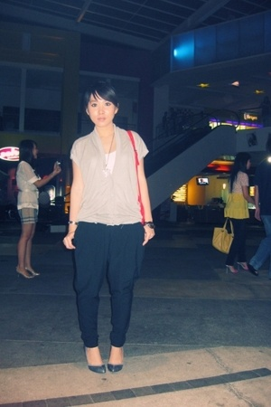 giordano shirt - H2O vest - The Closet Queen pants - Nine West shoes