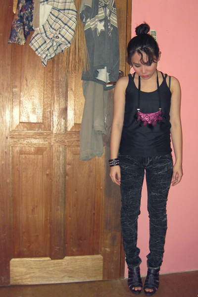 shirt - Coco Pink jeans - Nefertiti necklace - belle shoes