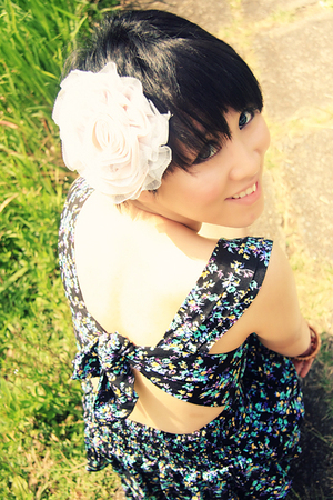 dress - accessories -