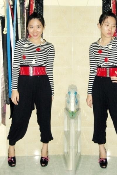 black harem pants unknown brand pants - black Gucci shoes - MNG shirt - red belt