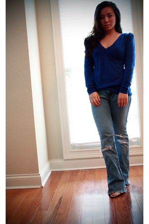 blue Urban Outfitters top - blue hollister jeans - white Nine West shoes