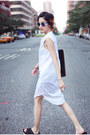 White-dkny-shirt-black-sam-edelman-sandals