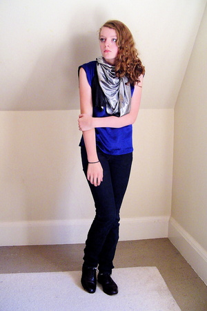H&M top - Paper Denim jeans - just a big piece of fabric scarf - thrifted shoes