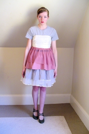 thrifted t-shirt - DIY top - Target skirt - secondhanddiy skirt - vintage skirt