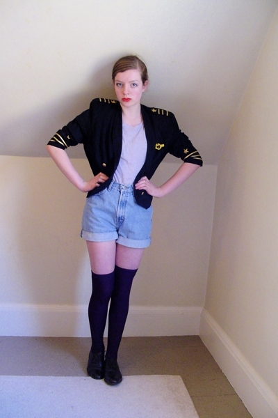 Secondhand blazer - H&M t-shirt - Secondhand shorts - H&M socks - thrifted shoes