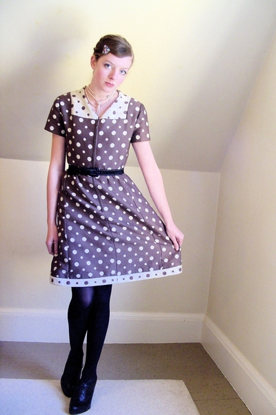 vintage dress - old belt - CVS tights - Nine West shoes - vintage accessories - 