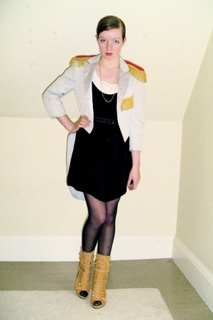 vintage coat - H&amp;M top - vintage dress - CVS stockings - Steve Madden boots - di
