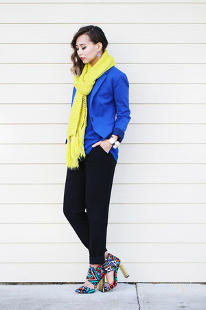 blue Lulus sandals - black Forever 21 pants - gold style moi earrings