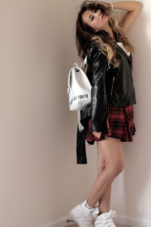 white romwe bag - brick red romwe dress - black Forever 21 jacket