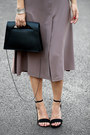 Puce-forever-21-dress-black-daniel-wellington-bracelet