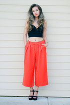 carrot orange Front Row Shop pants - black Young Hungry Free top